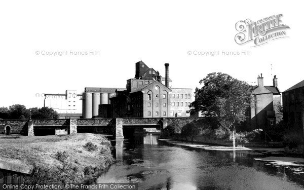 Wellingborough, River Nene and Victoria Mills c1965
