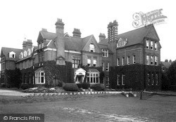 Wellingborough, School c.1955