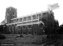 Wellingborough, St Mary's Church c.1955