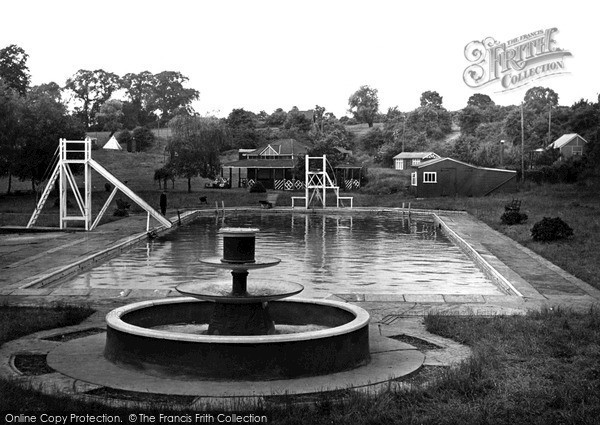 Photo of Wellingborough, Wilby Swimming Pool c.1950