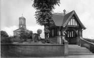 Wellington, Church and War Memorial 1925