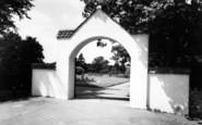 Wellington, Entrance To Gardens 1963