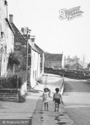 High Street, Children c.1955, Wellow