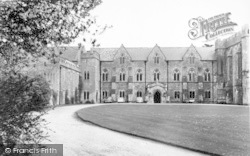 Wells, Bishop's Palace 1961