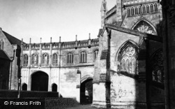 Wells, Cathedral 1951