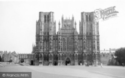 Wells, Cathedral c.1950