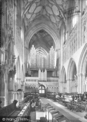 Wells, Cathedral, Choir West 1923