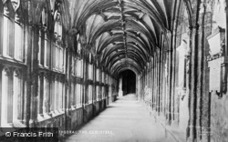 Wells, Cathedral, The Cloisters c.1900