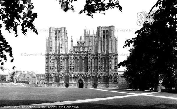 Photo of Wells, Cathedral, West Front 1923