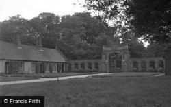 Wells-Next-The-Sea, Almshouse Gate 1950