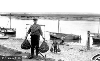 Wells-next-the-Sea, Bringing in the Whelks 1929