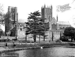Wells, The Cathedral And Moat 1955