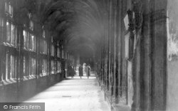 Wells, The Cloisters c.1939