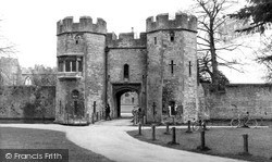 Wells, The Drawbridge, Bishop's Palace 1961
