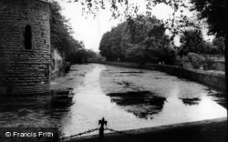 Wells, The Moat 1939
