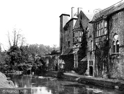 Wells, The Palace And Moat c.1900