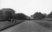 Welwyn Garden City, Parkway c.1955