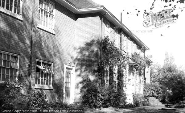 Photo of Welwyn Garden City, Sherrard Park School c1955, ref. W294049