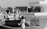 Welwyn Garden City, the Swimming Pool c1960