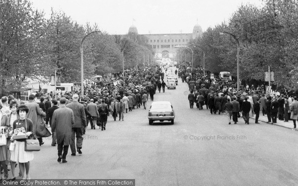 Wembley, Olympic Way To Wembley Stadium, Fa Cup Final Day c.1960