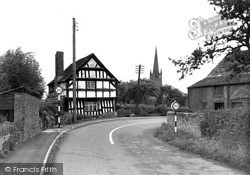 Weobley, Kington Road c.1950