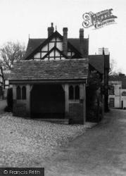 Weobley, The Village Bus Stop c.1950