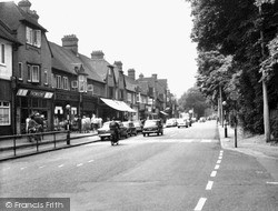 West Byfleet, Old Woking Road c.1965