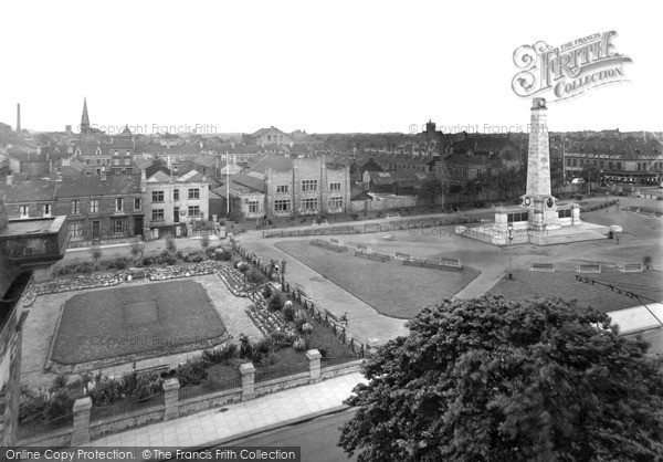 Photo of West Hartlepool, Gardens And Memorial c.1955