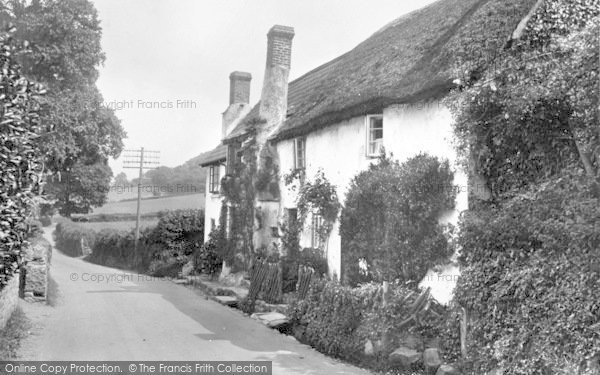 Photo of West Porlock, Old Cottages 1929