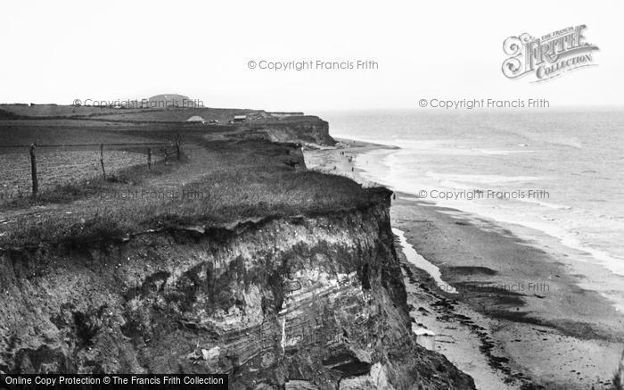 Photo of West Runton, Beach And Cliffs 1938
