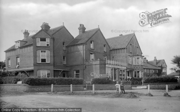 Photo of West Runton, Corner House 1923