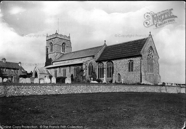 Photo of West Runton, Holy Trinity Church 1921