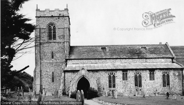 Photo of West Runton, Holy Trinity Church c.1960