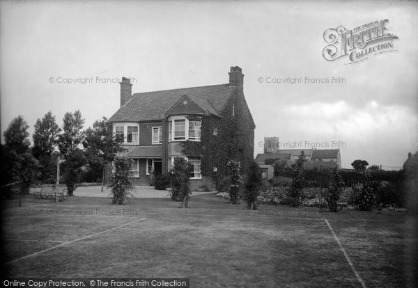 Photo of West Runton, Roseacre 1923
