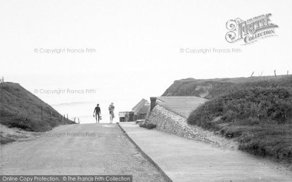 Photo of West Runton, The Gap c.1960
