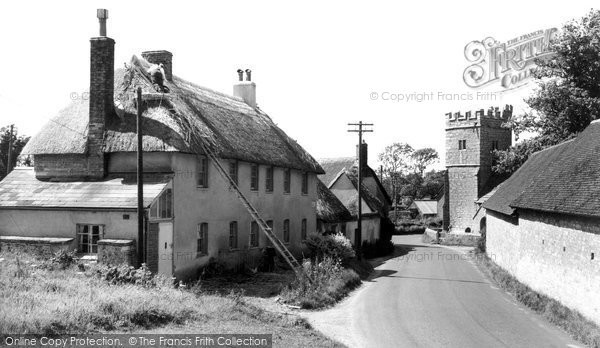 Photo of West Stafford, Thatching c.1960