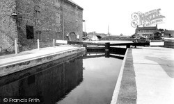 West Stockwith, Basin, The Lock 1958