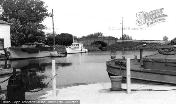 Photo of West Stockwith, The Basin 1958