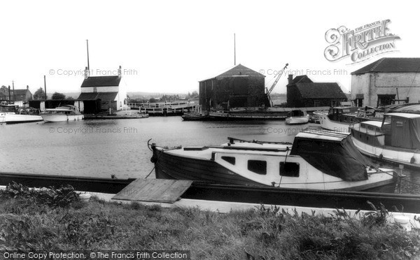 Photo of West Stockwith, The Basin 1964