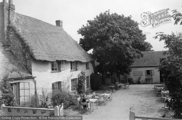 Photo of West Wittering, The Dog And Duck 1939