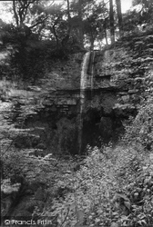 Waterfall 1911, West Witton
