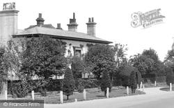 1933, Westcott