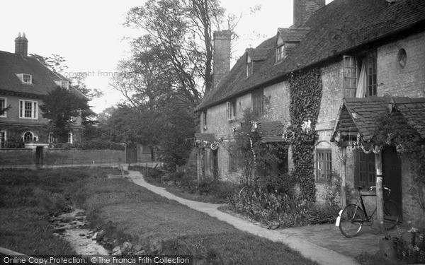Photo of Westerham, Old Cottages And Stream 1935