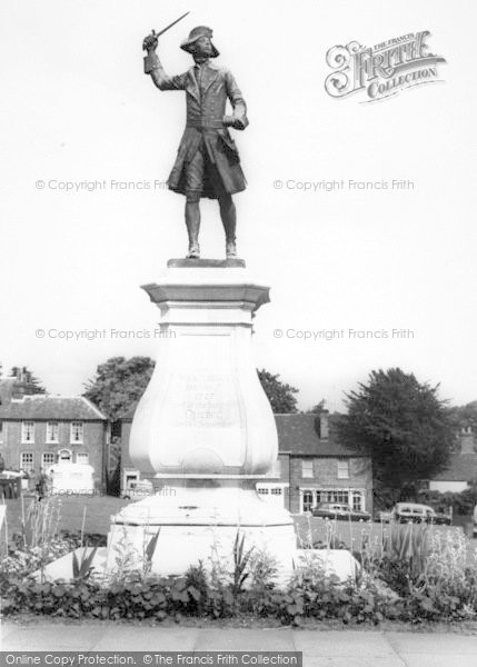 Photo of Westerham, The General Wolfe Statue c.1960
