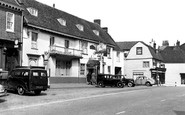Westerham, the George and Dragon c1955