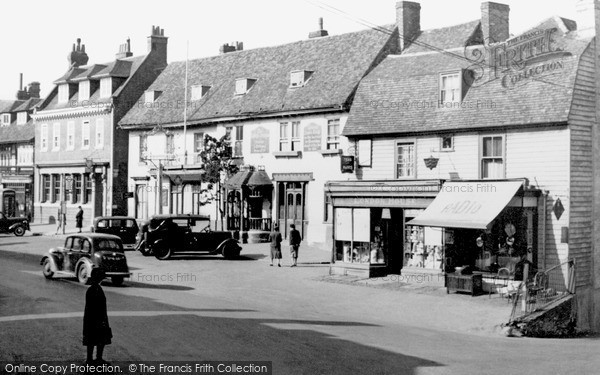 Photo of Westerham, The George and Dragon, Market Square c1955