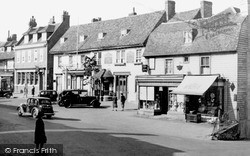 The George And Dragon, Market Square c.1955, Westerham