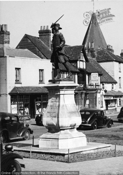 Photo of Westerham, The Wolfe Monument c.1955