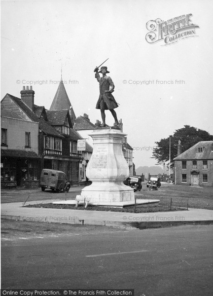 Photo of Westerham, The Wolfe Statue c.1955
