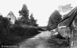 Old Chapel Ruins 1906, Westhumble